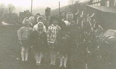 1967 v.li. vorn Karin Holderberg, Ester Klappert, Renate Holderberg, ?, mitte. v.li. Hanne Niklaus, ?, Erika Klappert, ?, Dorothea Brühl, hi.v.li. Monika Klein, Marianne Schmidt und Resi Jaschke
